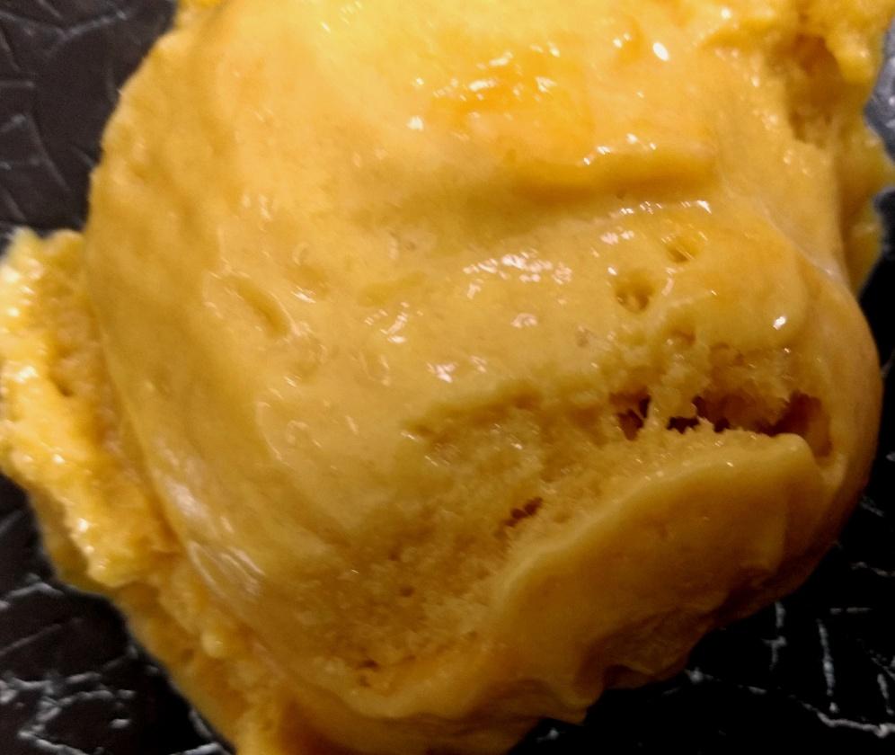 Mango Frozen yoghurt